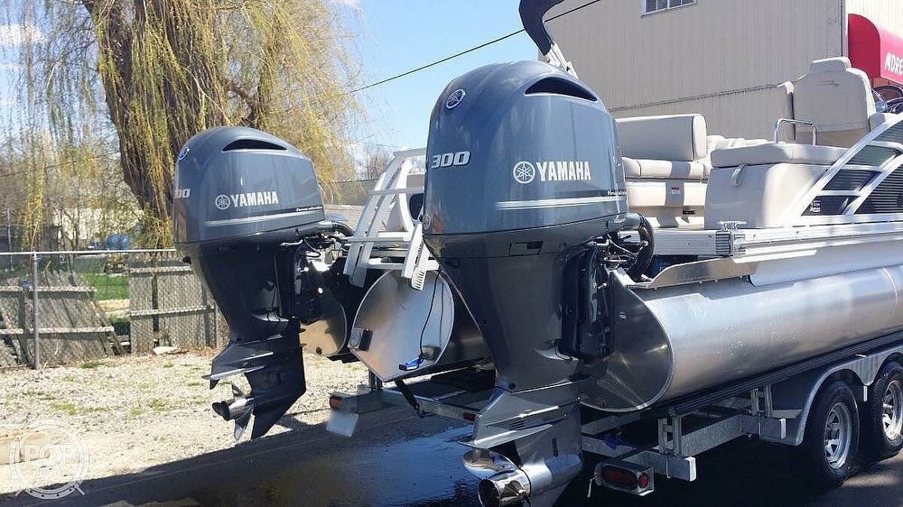 2017 Bennington boat for sale, model of the boat is 27 RSB X2 & Image # 35 of 36