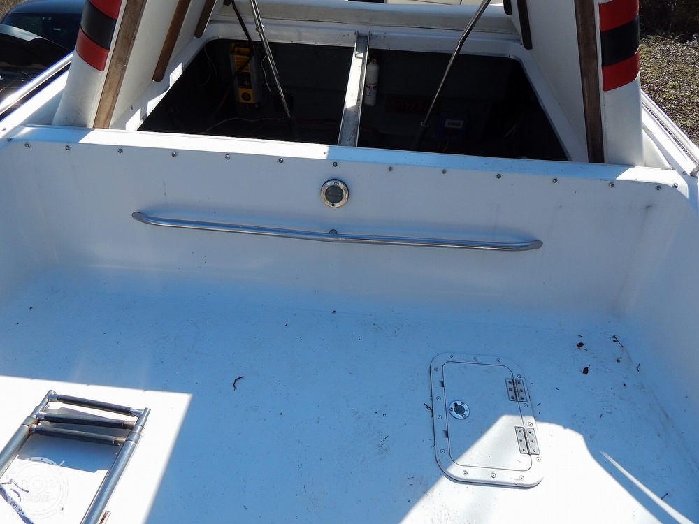 1986 Chris Craft boat for sale, model of the boat is 415 Stinger & Image # 37 of 40