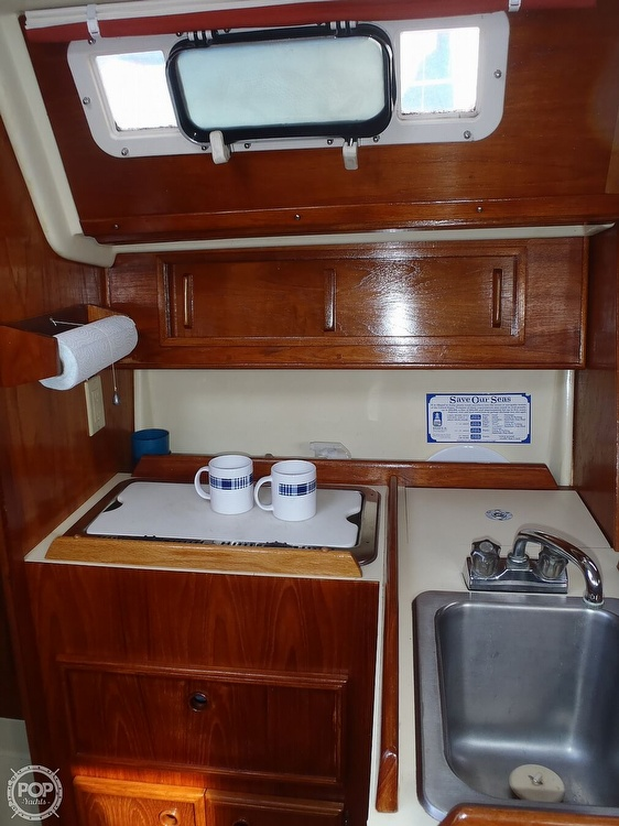 1987 Pearson boat for sale, model of the boat is 28-2 & Image # 4 of 25