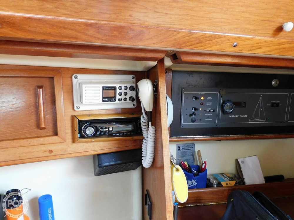 1987 Pearson boat for sale, model of the boat is 28-2 & Image # 6 of 25
