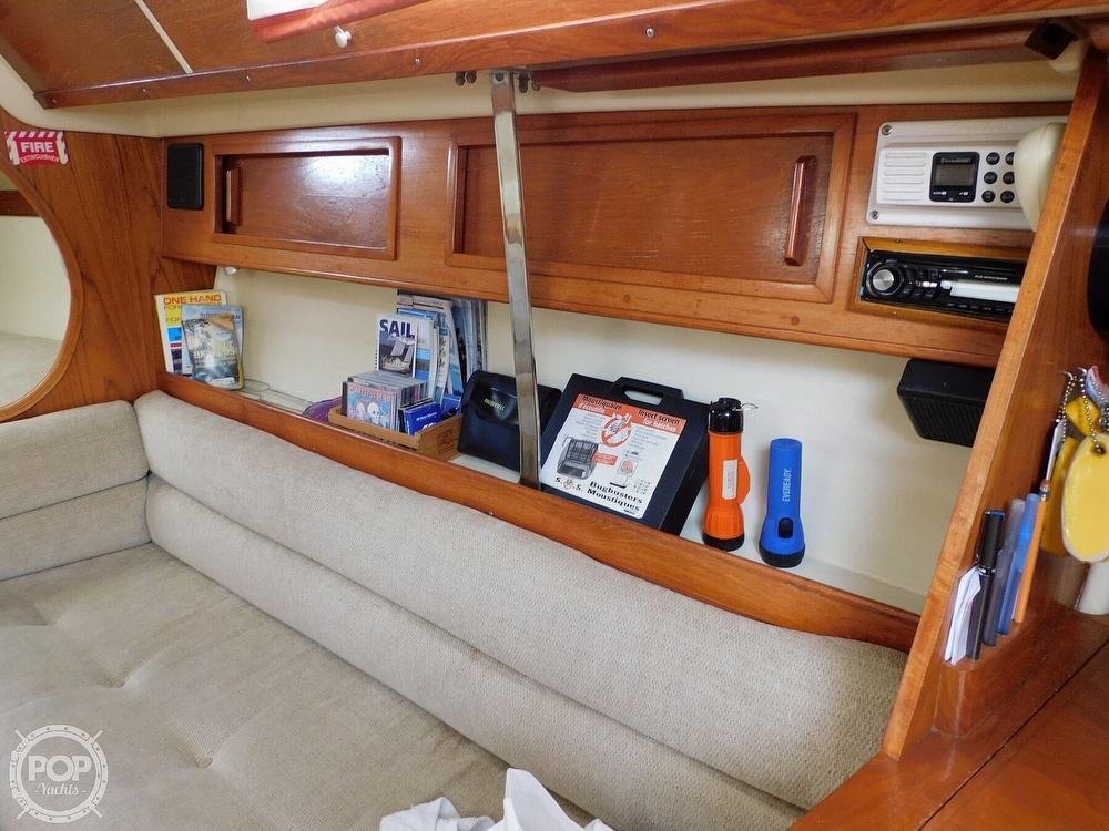 1987 Pearson boat for sale, model of the boat is 28-2 & Image # 15 of 25