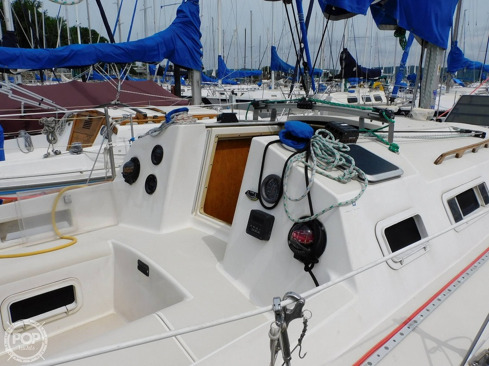 1987 Pearson boat for sale, model of the boat is 28-2 & Image # 17 of 25