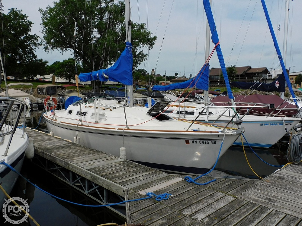 1987 Pearson boat for sale, model of the boat is 28-2 & Image # 21 of 25