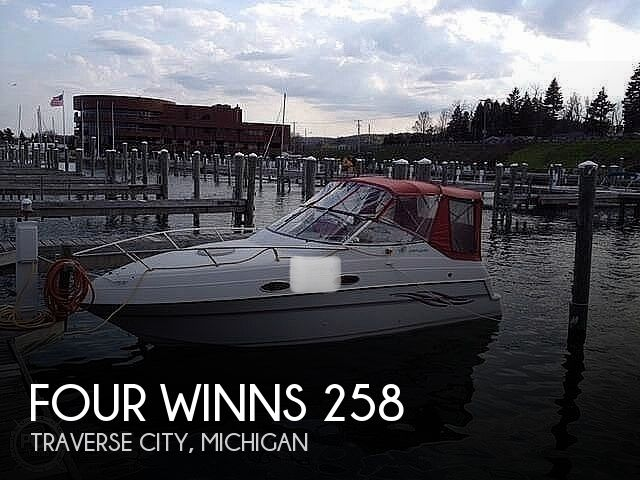 1999 Four Winns boat for sale, model of the boat is 258 Vista Pocket Cruiser & Image # 1 of 20