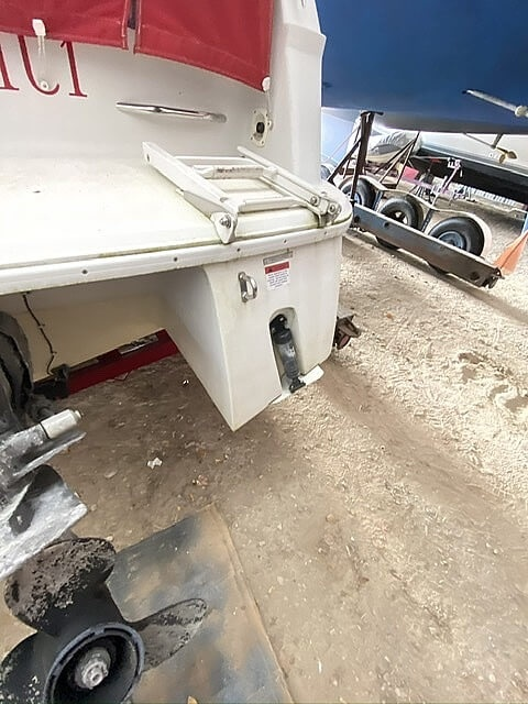 1999 Four Winns boat for sale, model of the boat is 258 Vista Pocket Cruiser & Image # 6 of 20