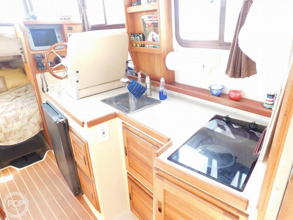 2009 Ranger Tugs boat for sale, model of the boat is RC 25 & Image # 6 of 40