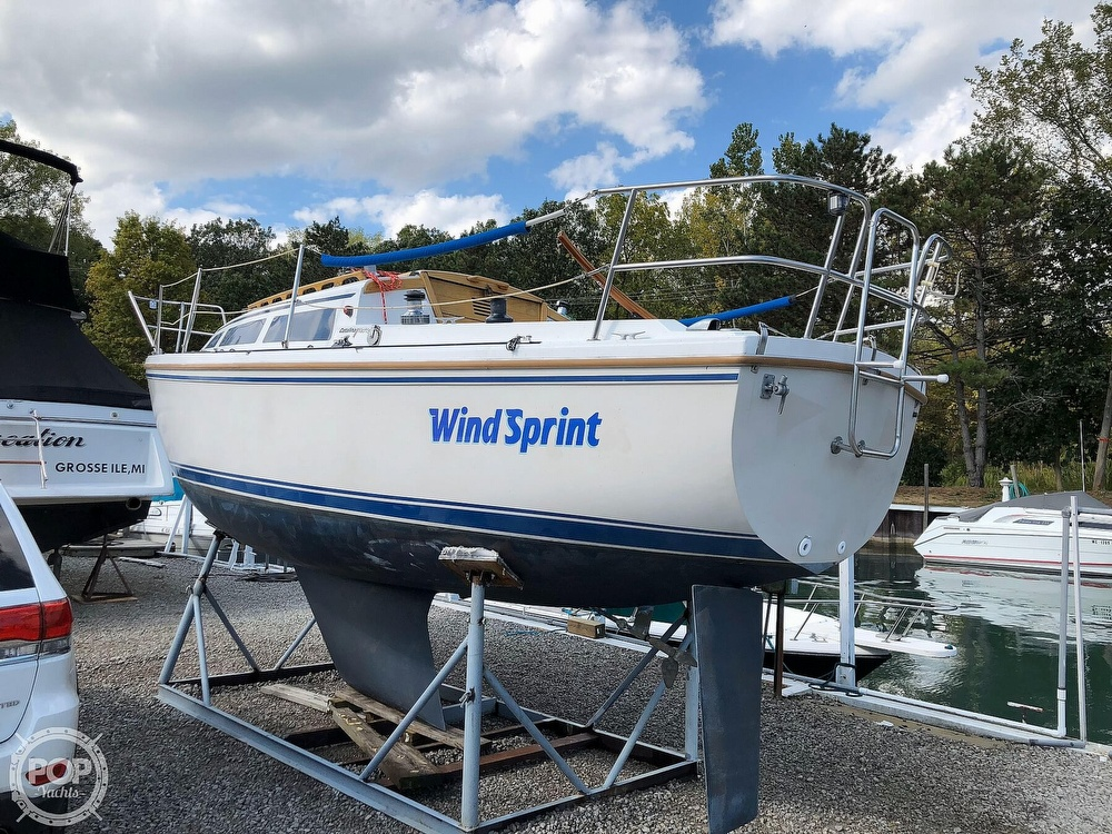 1986 Catalina Yachts boat for sale, model of the boat is 27 & Image # 7 of 40