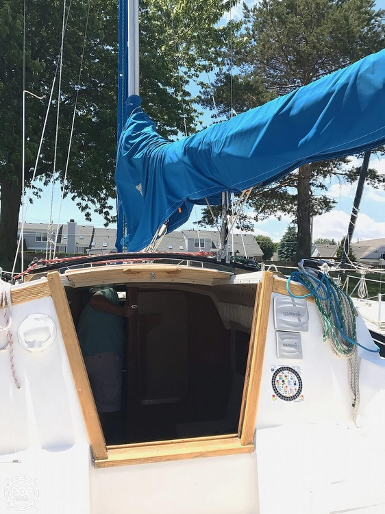 1986 Catalina Yachts boat for sale, model of the boat is 27 & Image # 10 of 40