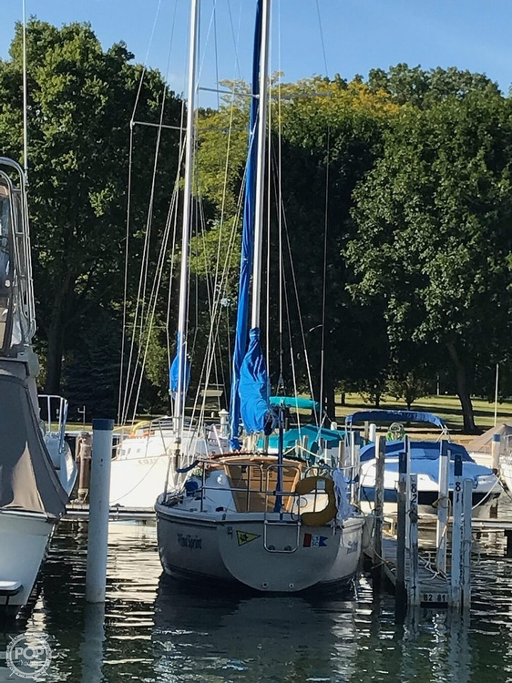 1986 Catalina Yachts boat for sale, model of the boat is 27 & Image # 13 of 40