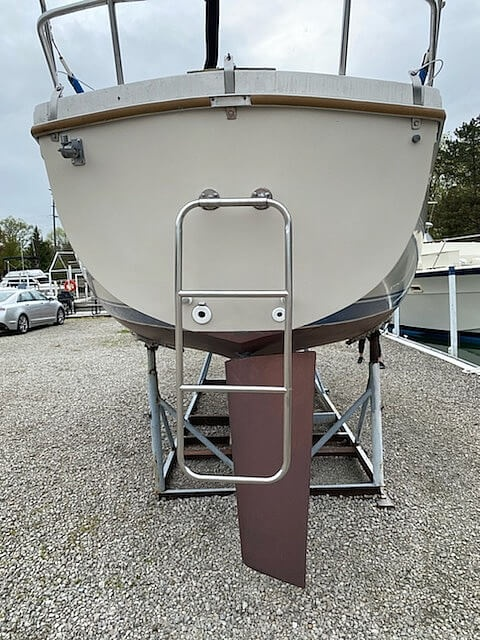1986 Catalina Yachts boat for sale, model of the boat is 27 & Image # 34 of 40