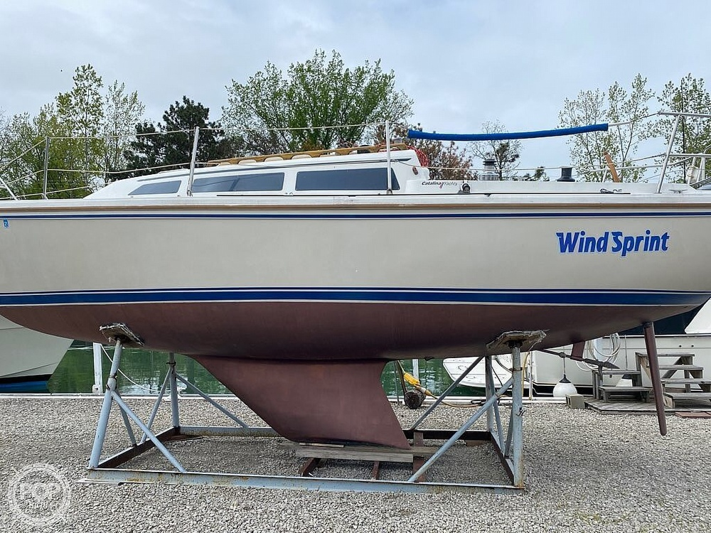 1986 Catalina Yachts boat for sale, model of the boat is 27 & Image # 35 of 40