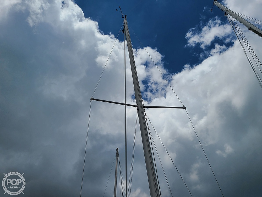 1986 Catalina Yachts boat for sale, model of the boat is 27 & Image # 38 of 40