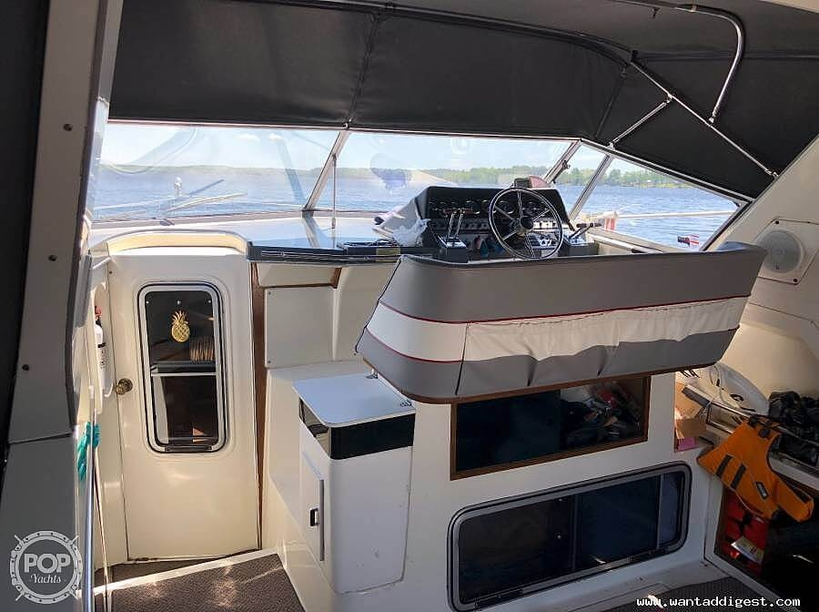 1987 Cruisers Yachts boat for sale, model of the boat is 336 Ultra Vee & Image # 9 of 11