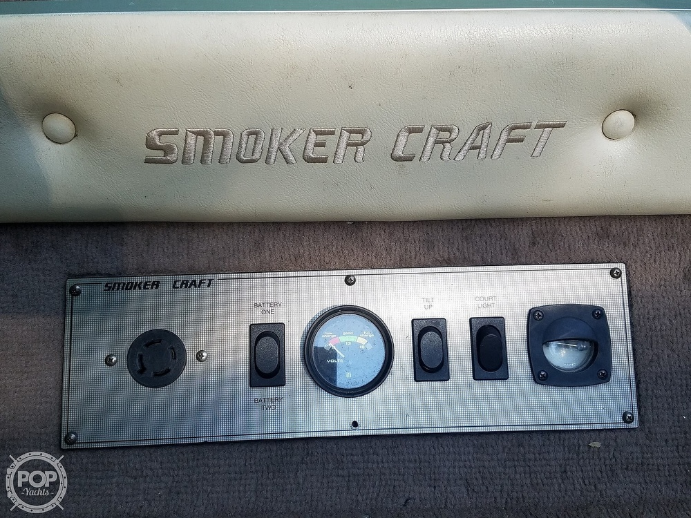 1998 Smoker Craft boat for sale, model of the boat is 18 & Image # 3 of 17