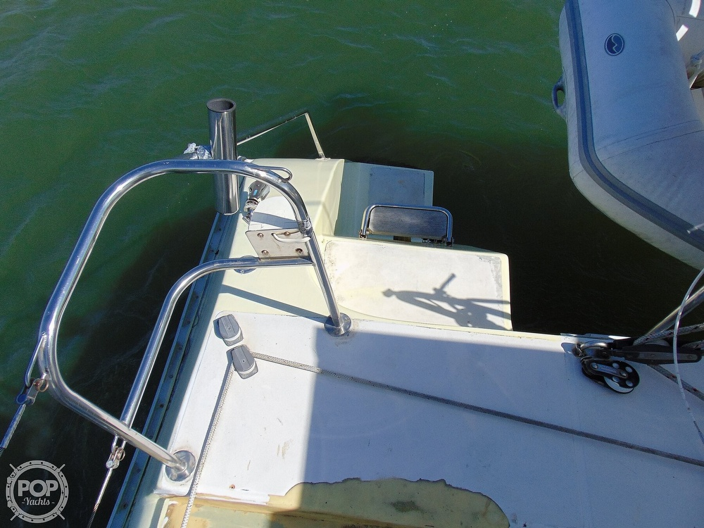 1992 Catana boat for sale, model of the boat is 40S & Image # 25 of 40