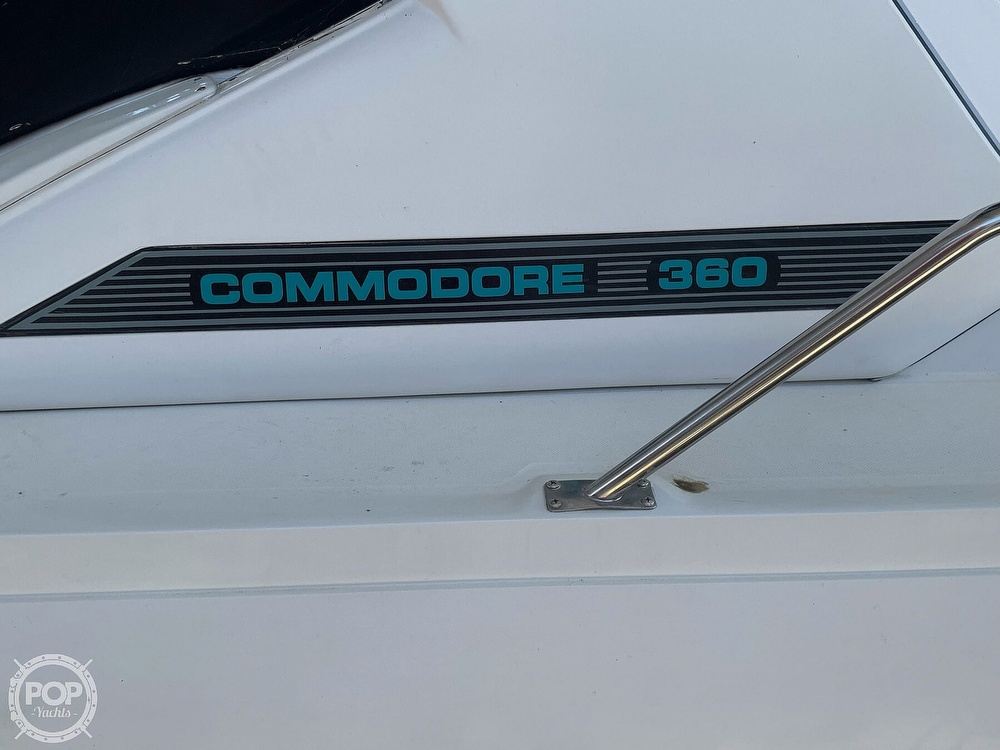1991 Regal boat for sale, model of the boat is Commodore 360 & Image # 5 of 40