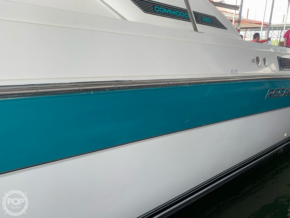1991 Regal boat for sale, model of the boat is Commodore 360 & Image # 22 of 40