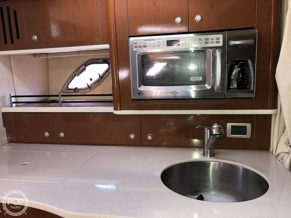 2009 Sea Ray boat for sale, model of the boat is 330 SUNDANCER & Image # 8 of 40