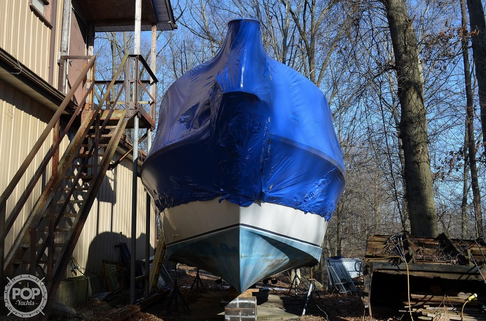 1989 Carver boat for sale, model of the boat is Montego 3257/DC & Image # 7 of 40