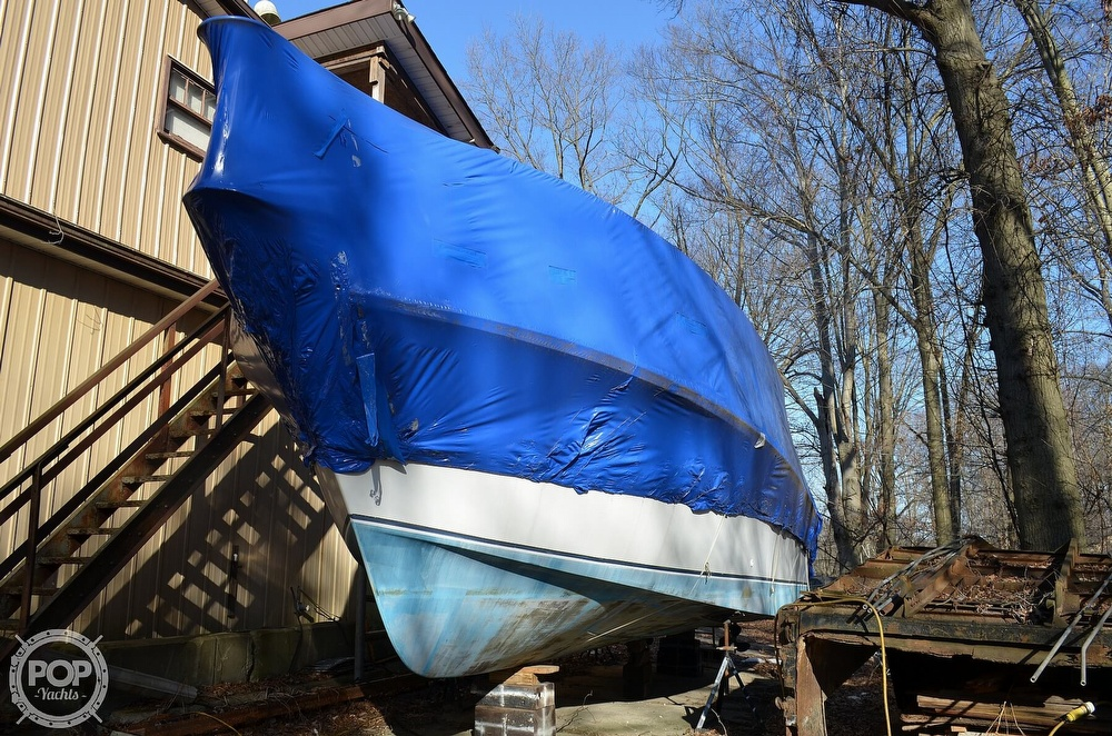 1989 Carver boat for sale, model of the boat is Montego 3257/DC & Image # 9 of 40