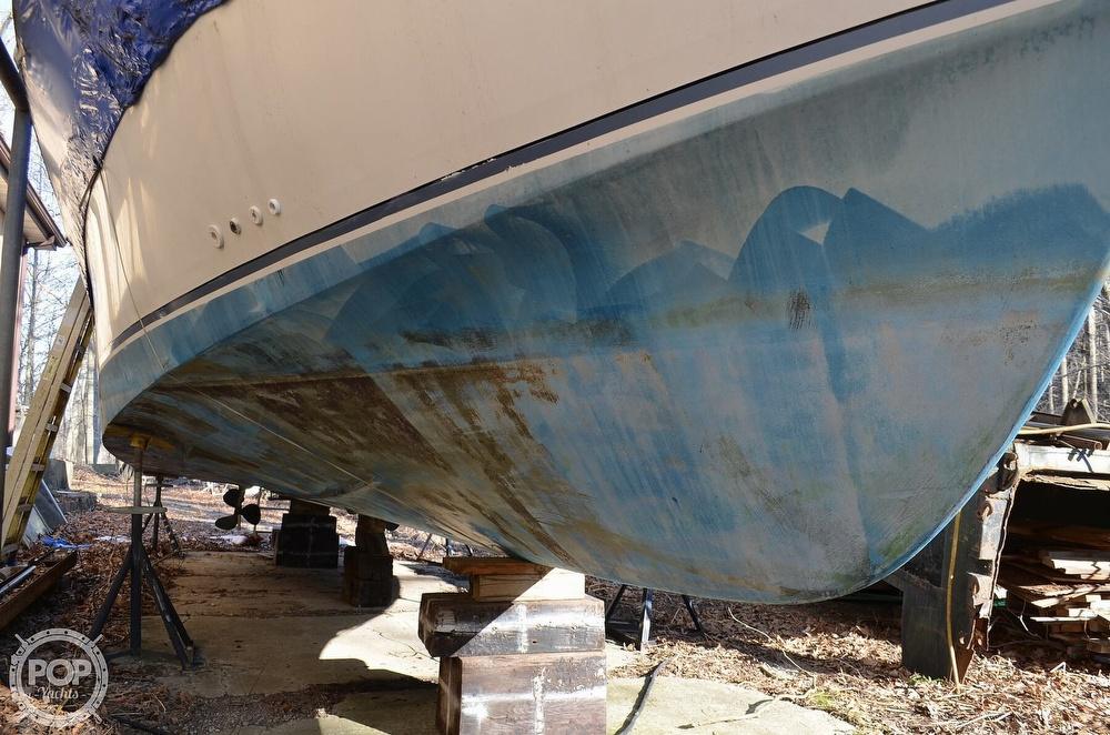 1989 Carver boat for sale, model of the boat is Montego 3257/DC & Image # 11 of 40