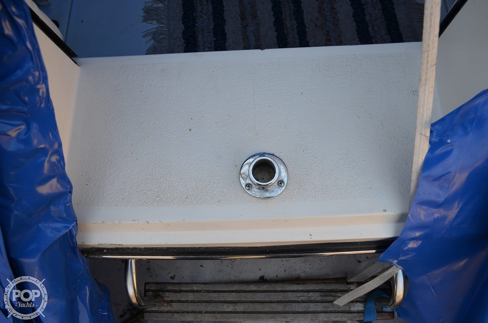 1989 Carver boat for sale, model of the boat is Montego 3257/DC & Image # 29 of 40