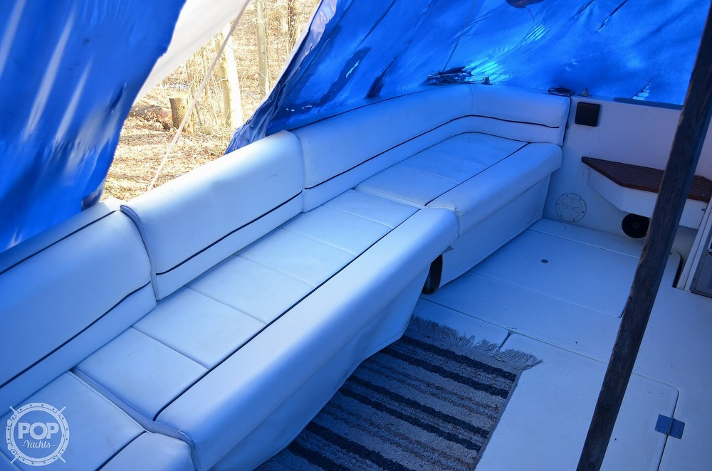 1989 Carver boat for sale, model of the boat is Montego 3257/DC & Image # 35 of 40