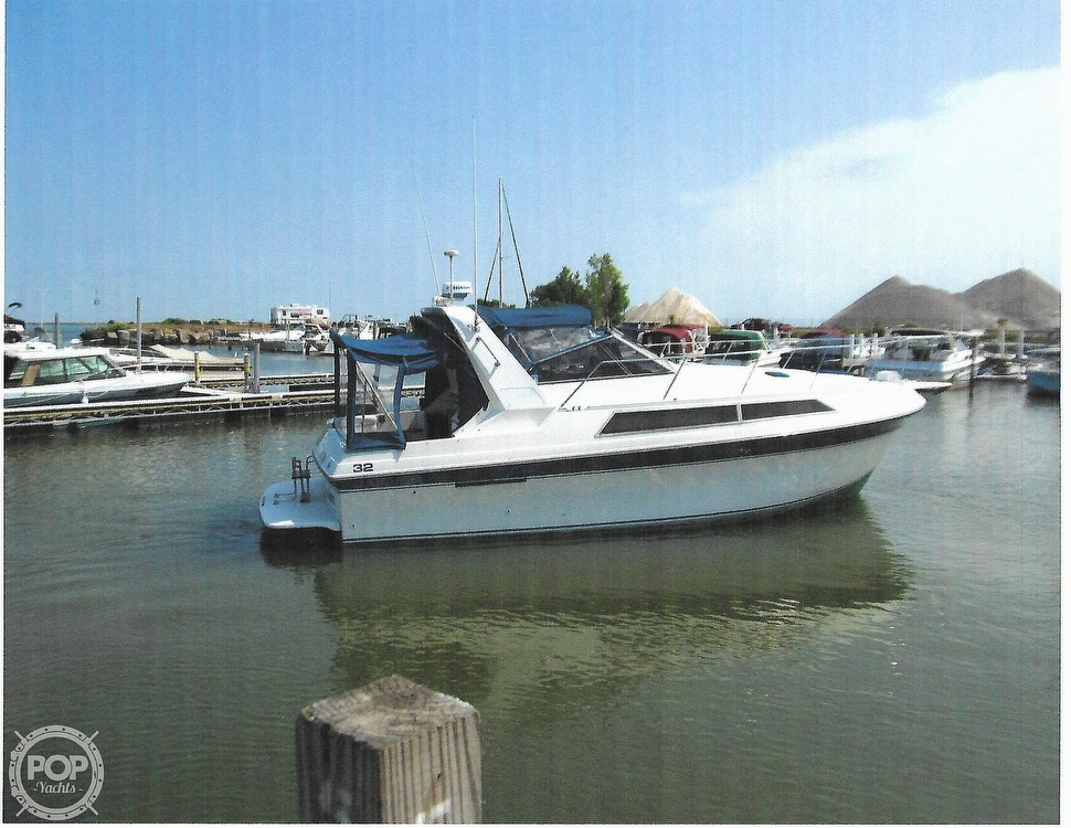 1989 Carver boat for sale, model of the boat is Montego 3257/DC & Image # 2 of 40