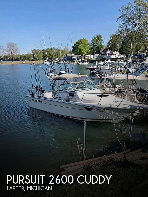 Used Pursuit Boats For Sale in Michigan by owner   1988 Pursuit 2600 Cuddy