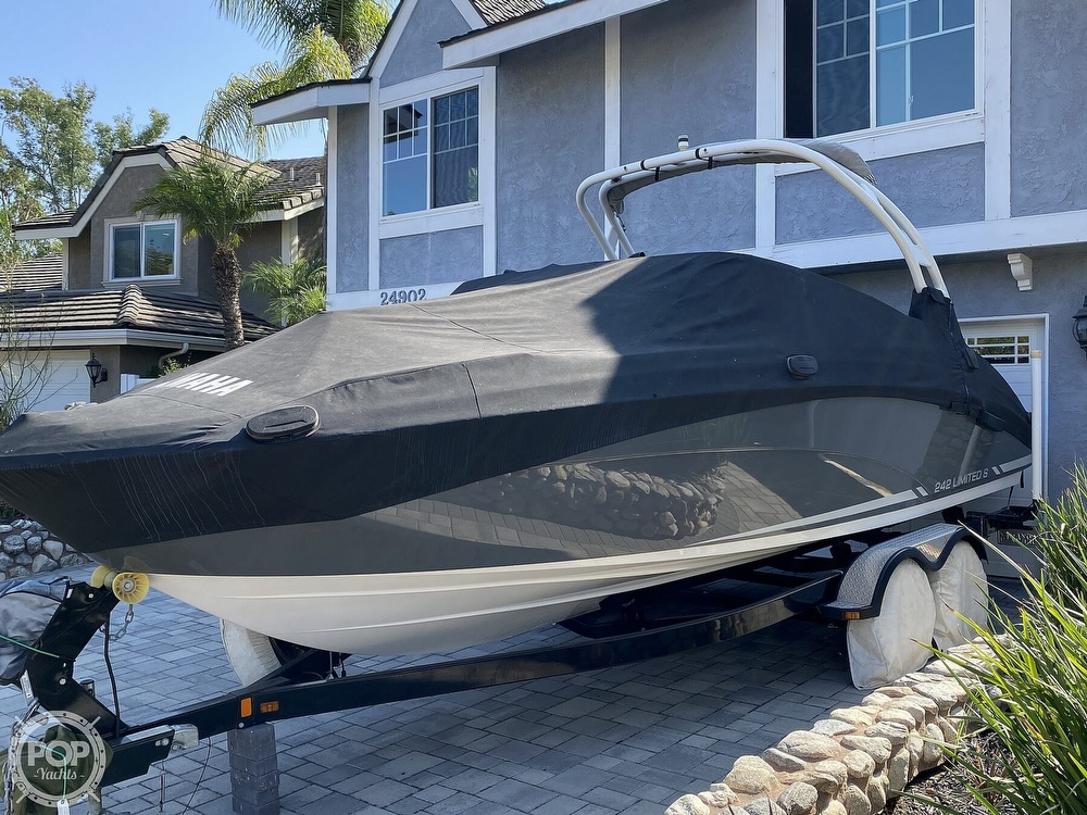 2015 Yamaha boat for sale, model of the boat is 242 Ltd S & Image # 16 of 40