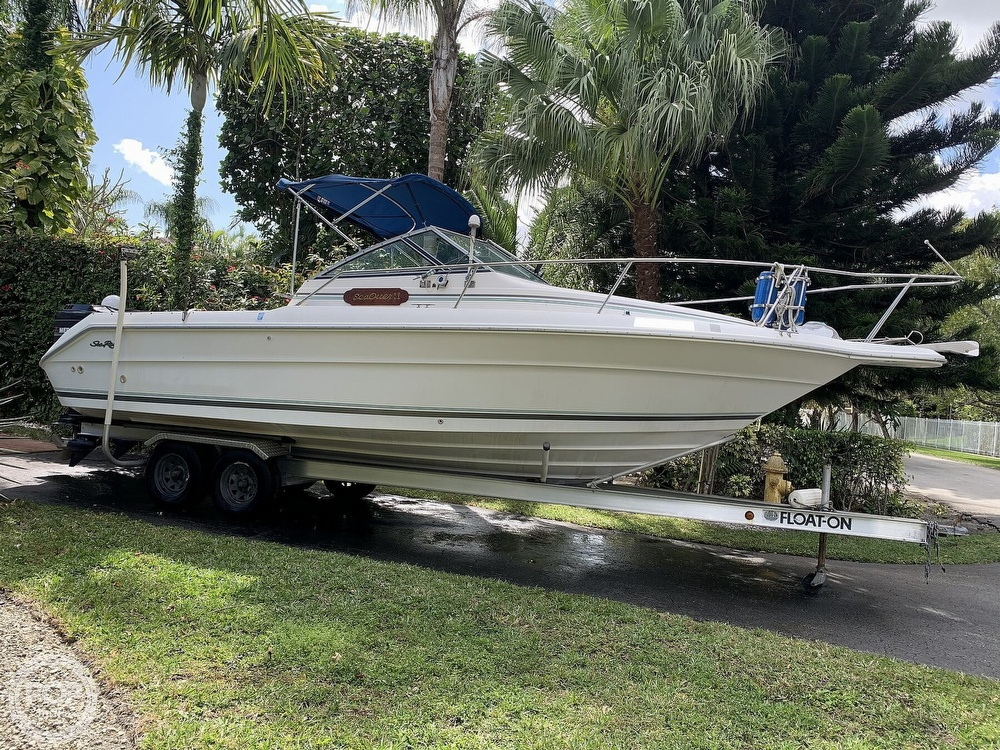 1990 Sea Ray boat for sale, model of the boat is Laguna 24 Flush Deck Cuddy & Image # 5 of 40