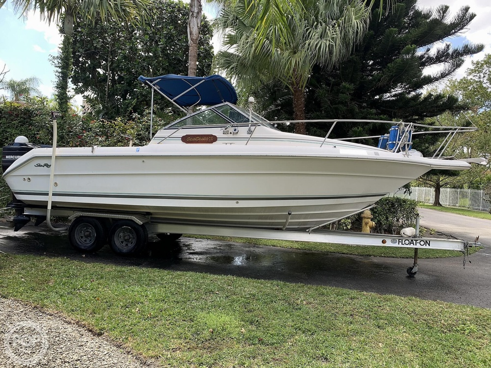 1990 Sea Ray boat for sale, model of the boat is Laguna 24 Flush Deck Cuddy & Image # 6 of 40