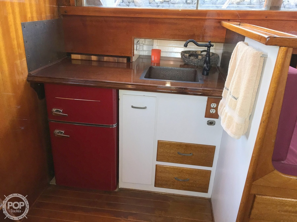 1960 Tollycraft boat for sale, model of the boat is 36 & Image # 32 of 40