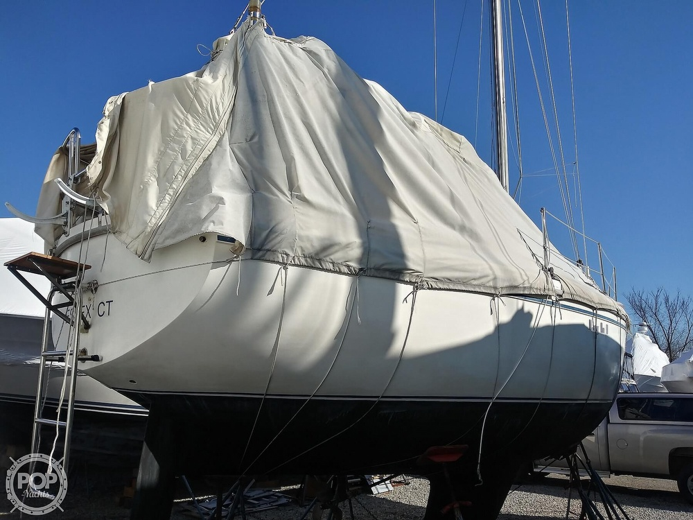 1982 Catalina Yachts boat for sale, model of the boat is C-30 with Westerbeke 26 HP & Image # 24 of 40