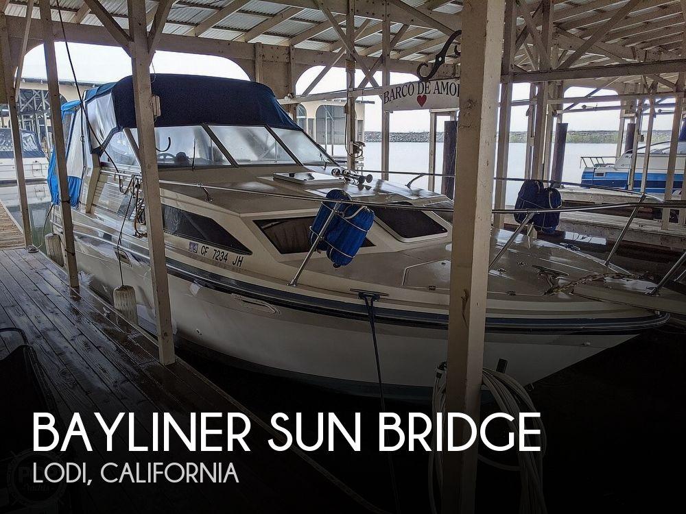 Used Bayliner Boats For Sale in Sacramento, California by owner   1986 28 foot Bayliner Sun Bridge