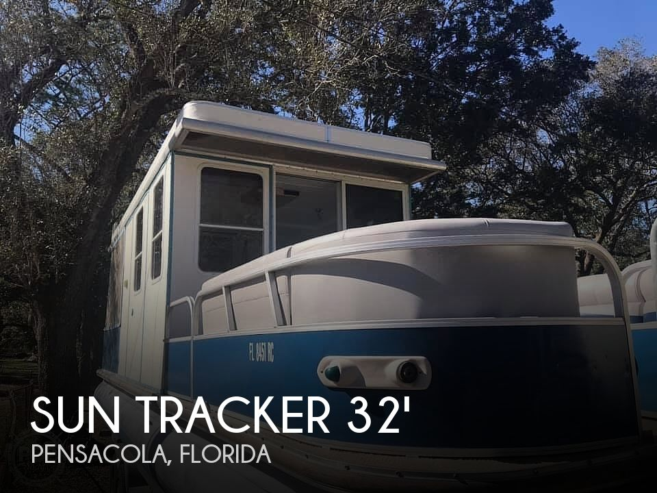 Used Sun Tracker Pontoon Boats For Sale in Florida by owner | 2008 32 foot Sun Tracker Regency