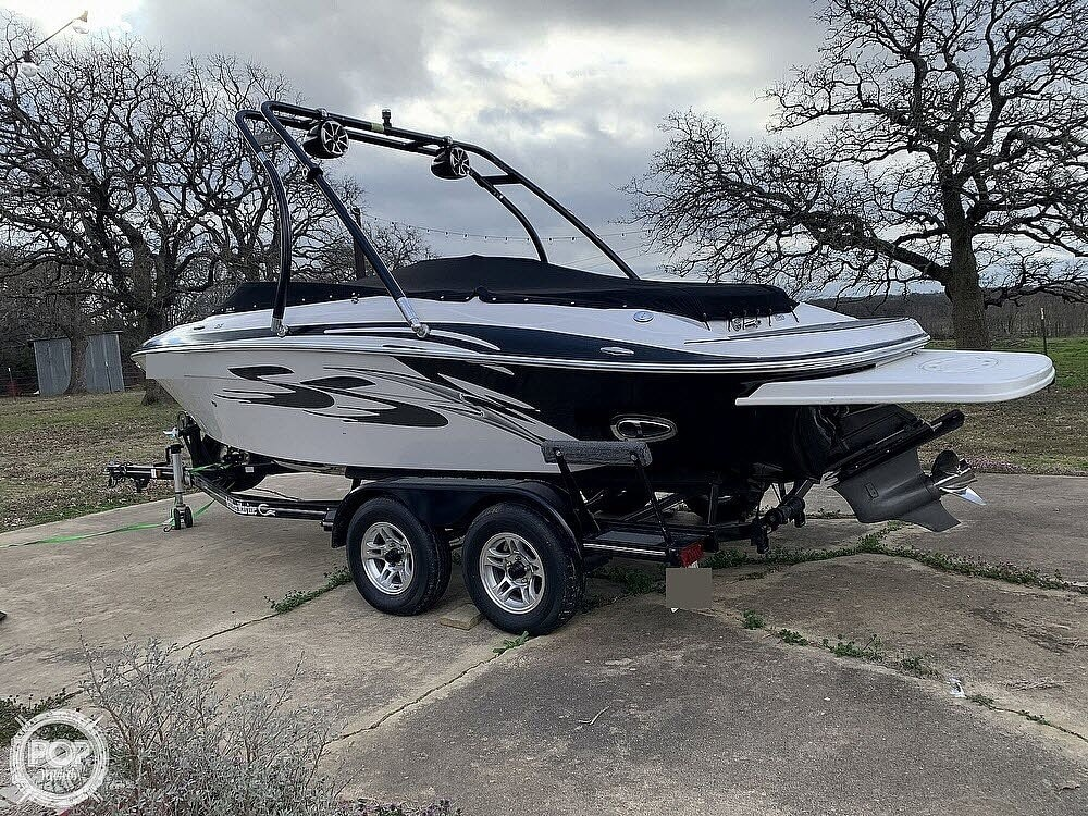 2009 Four Winns boat for sale, model of the boat is H210 SS & Image # 3 of 40