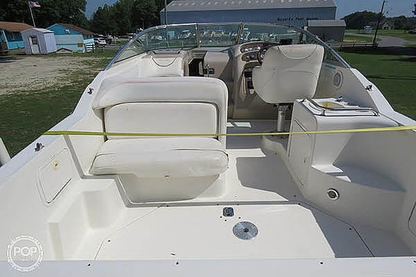 2000 Sea Ray boat for sale, model of the boat is 260 Sundancer & Image # 4 of 40