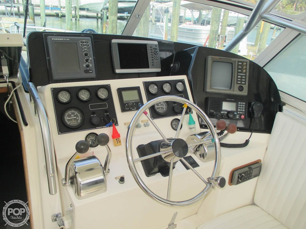 1999 Henriques boat for sale, model of the boat is 28 SportFisher & Image # 4 of 40