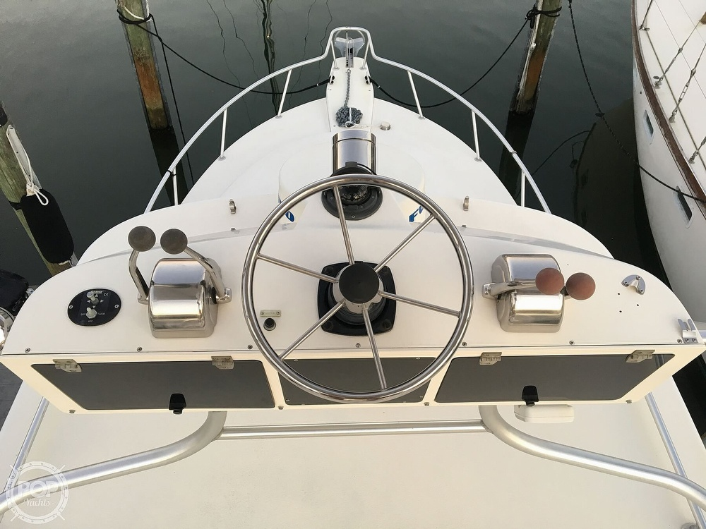 1999 Henriques boat for sale, model of the boat is 28 SportFisher & Image # 11 of 40