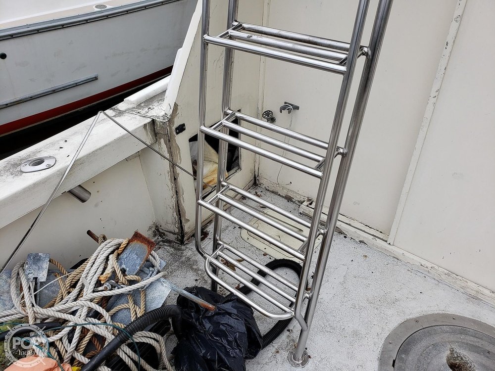 1986 Harris boat for sale, model of the boat is 36 Sportfish & Image # 3 of 40