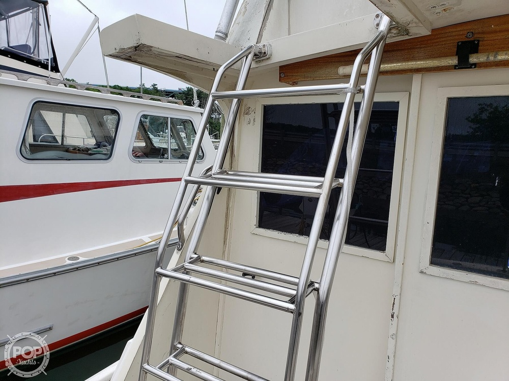 1986 Harris boat for sale, model of the boat is 36 Sportfish & Image # 5 of 40