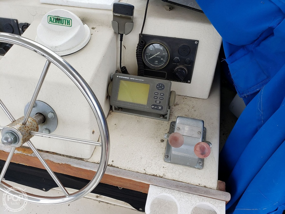 1986 Harris boat for sale, model of the boat is 36 Sportfish & Image # 8 of 40