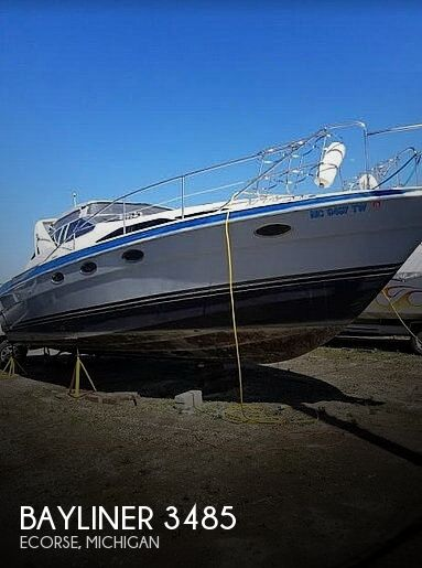 Used Bayliner Boats For Sale in Michigan by owner | 1989 Bayliner 3485 Avanti