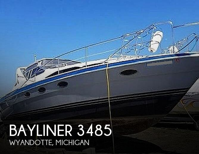 1989 Bayliner boat for sale, model of the boat is 3485 Avanti Sun Bridge & Image # 1 of 11