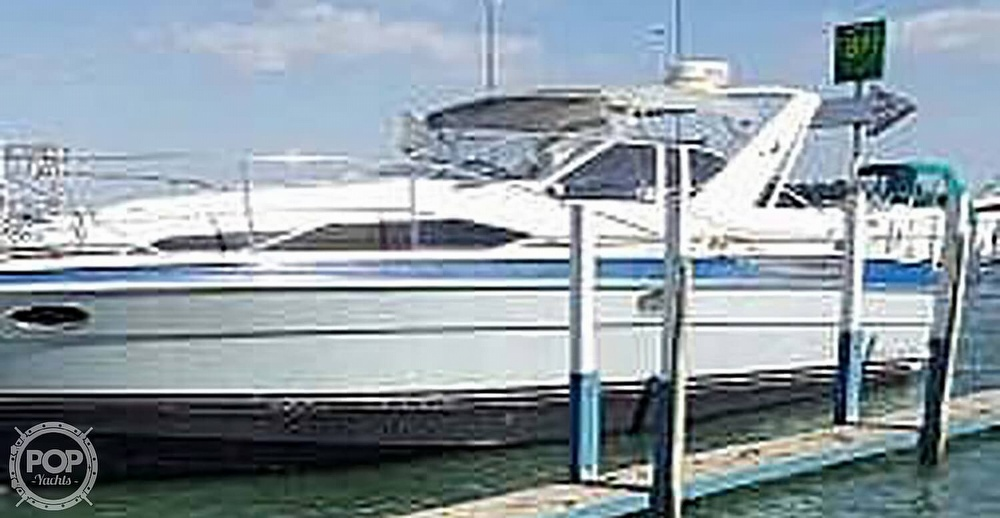 1989 Bayliner boat for sale, model of the boat is 3485 Avanti Sun Bridge & Image # 3 of 11