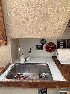 1983 Catalina Yachts boat for sale, model of the boat is C-25 Tall Ship & Image # 10 of 32
