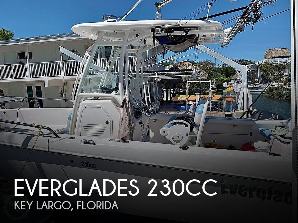 Used Everglades Boats For Sale by owner   2011 Everglades 230cc
