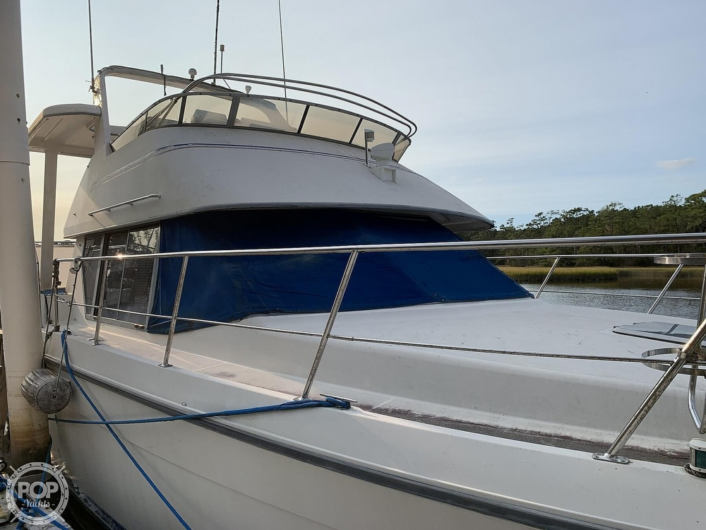 1994 Carver boat for sale, model of the boat is 390 Aft Cabin & Image # 3 of 40