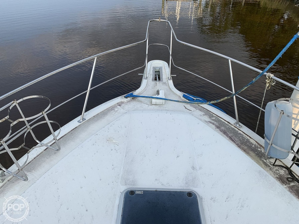 1994 Carver boat for sale, model of the boat is 390 Aft Cabin & Image # 7 of 40